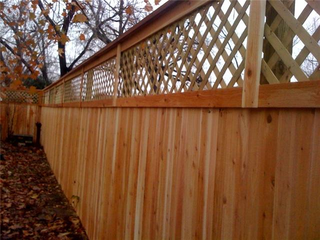 how to build a wood fence with lattice top